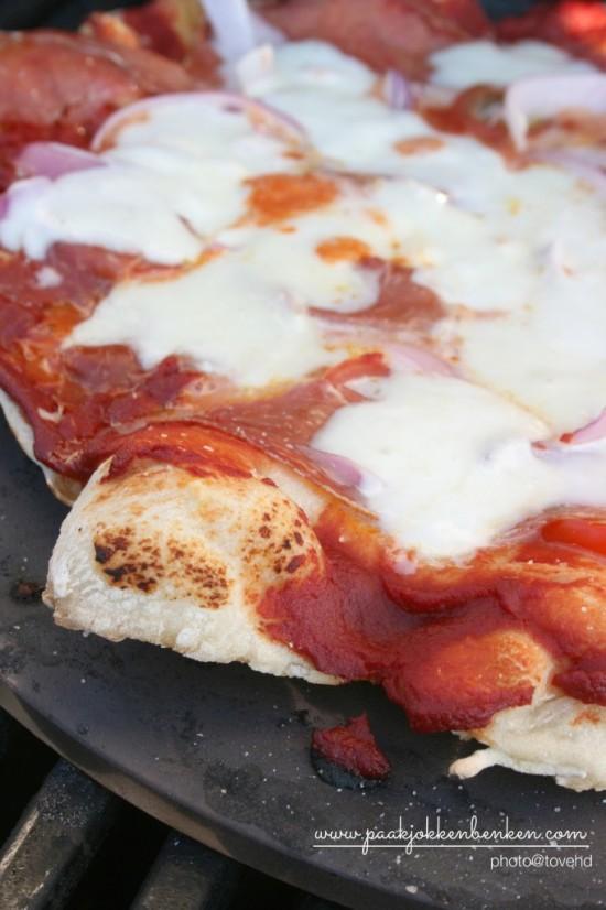 pizza på grill1.jpg